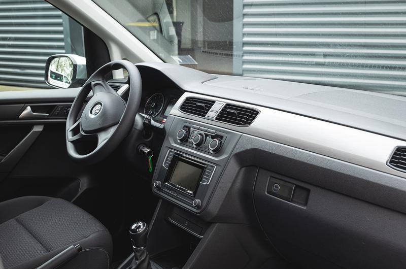 vehicule en location vente Caddy Maxi adapté