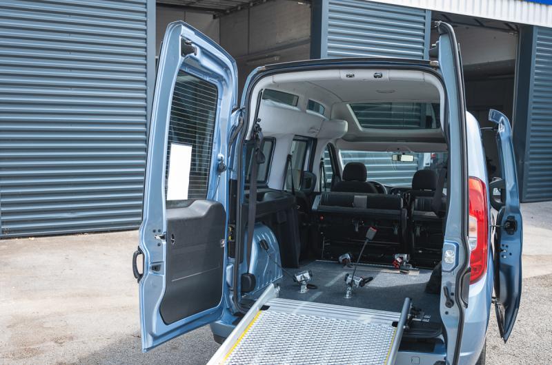 vehicule en location vente Doblo Maxi XL