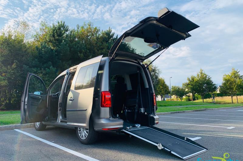 vehicule en location vente Caddy Court Adapté