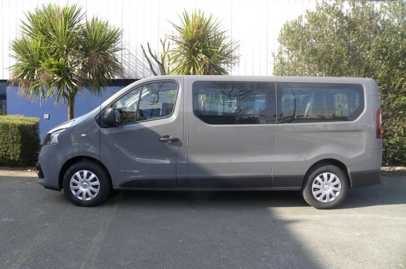 vehicule en location vente Trafic Passenger Zen