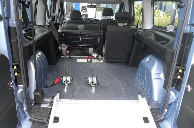 vehicule en location vente Doblo Panorama Maxi XL